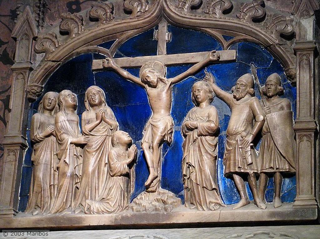 Barcelona Bailando la Sardana a la puerta de la catedral Barcelona