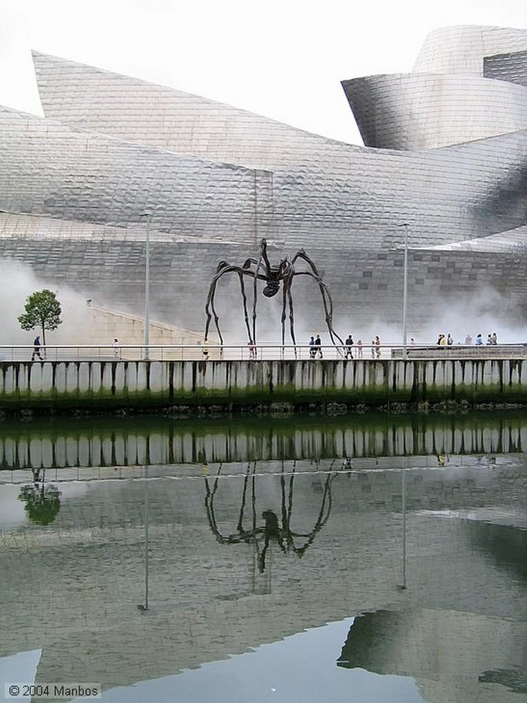 Bilbao Simetría del Guggenheim Vizcaya