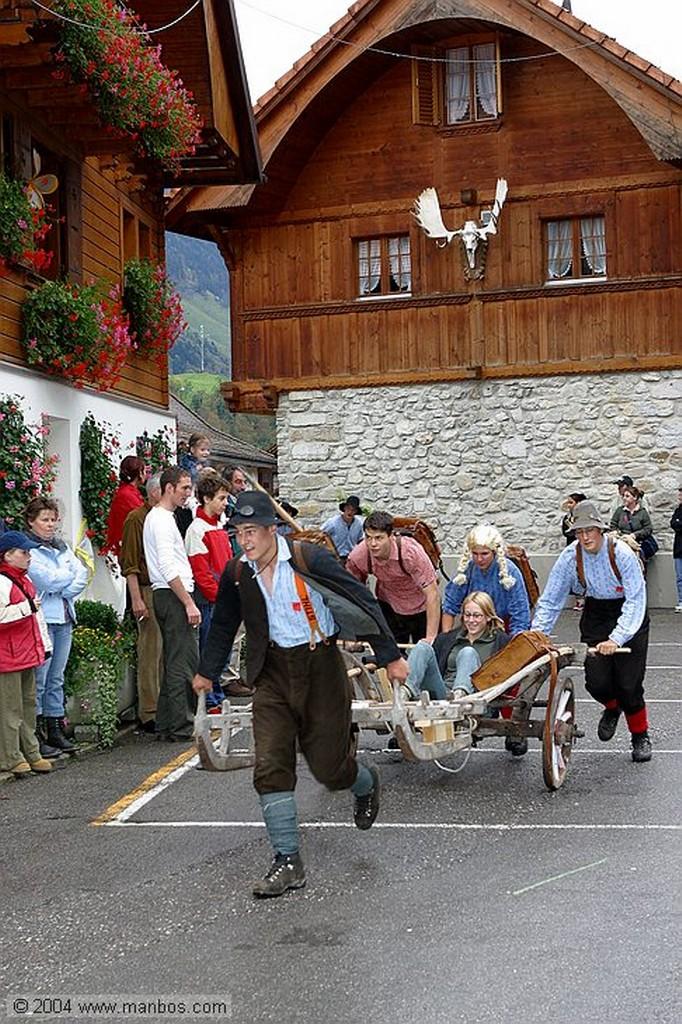 Charmey Frenando la carreta Pays de Fribourg