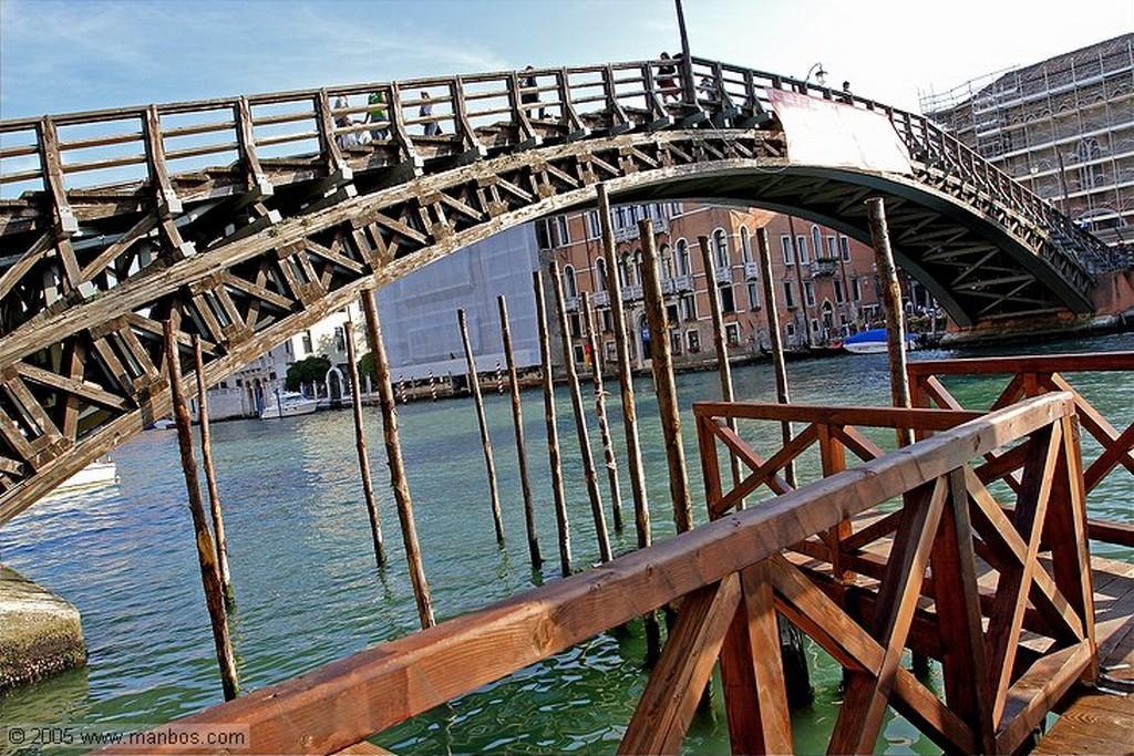 Venecia Igor Mitoraj - Estatua en el Campo San Vidal Venecia