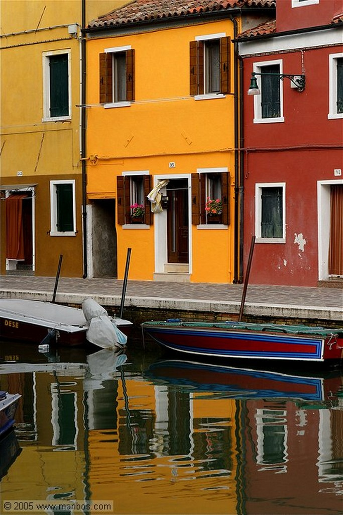 Burano Calle Gobbi Venecia