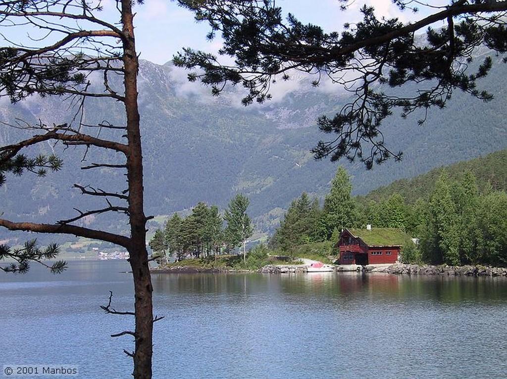 De Hellesylt a Geiranger Noruega