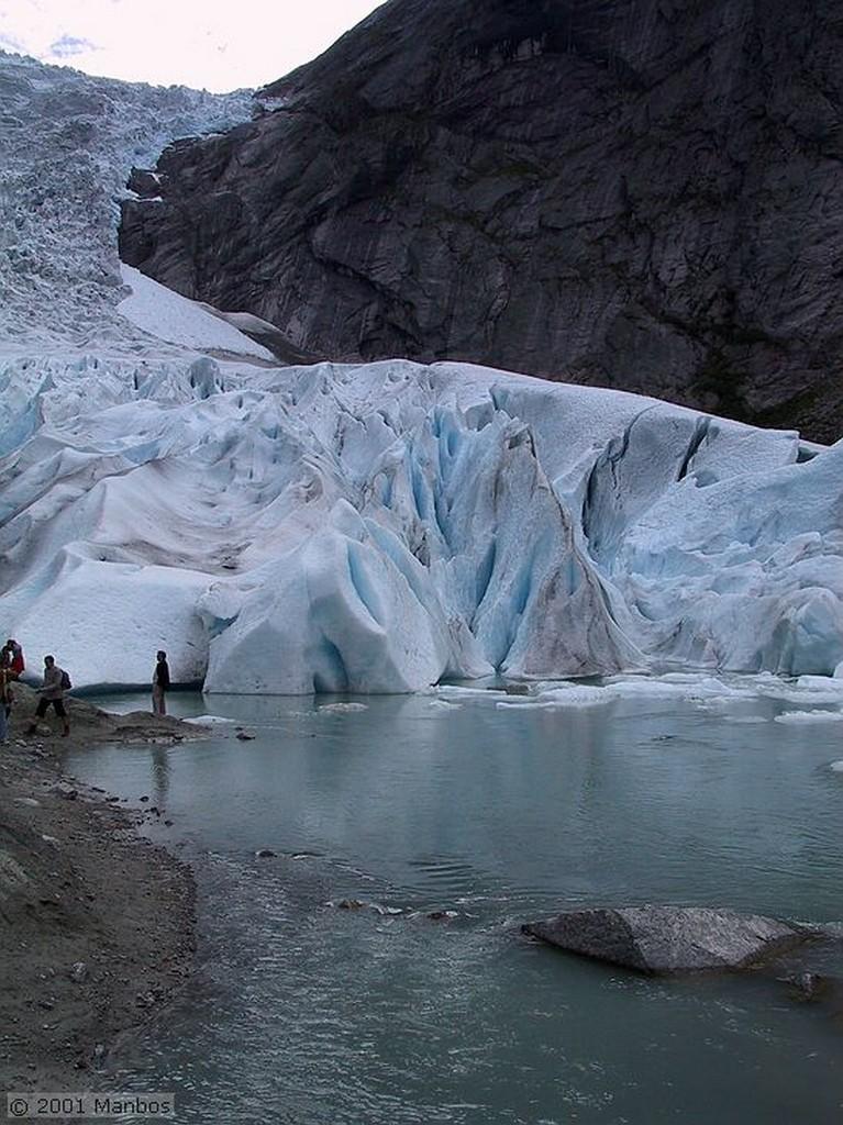 Glaciar de Briksdal Glaciar Briksdal Noruega