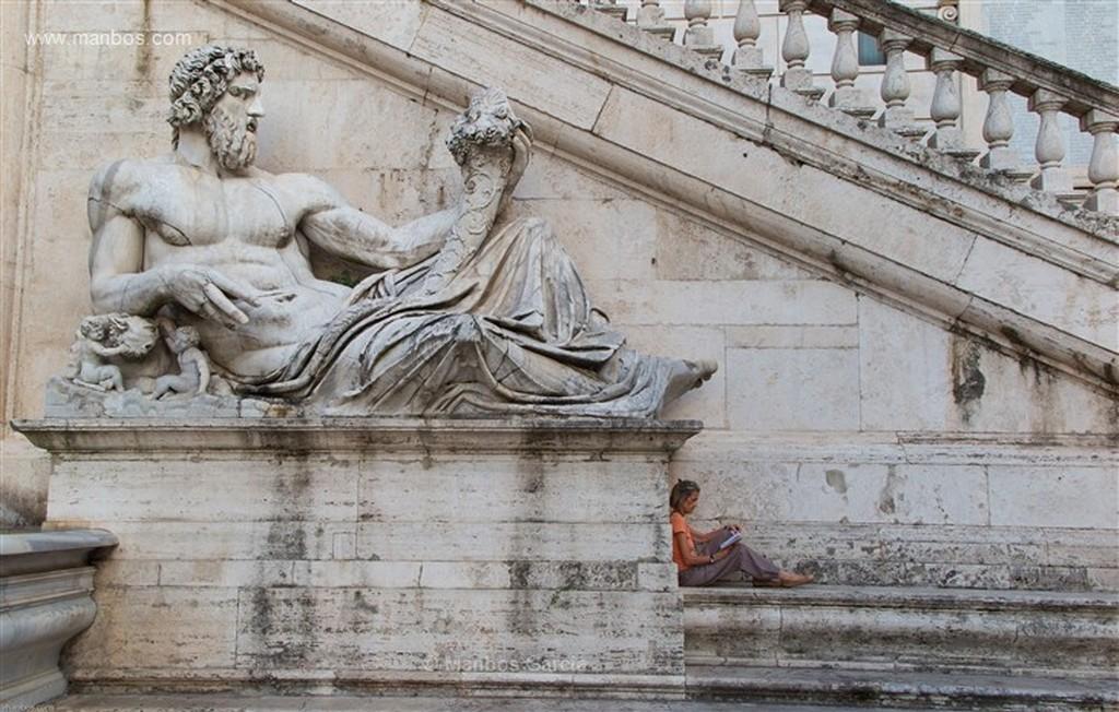 Roma Foro romano al atardecer Roma