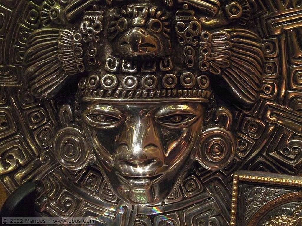 Estudio Manbos Máscara de Bali Madrid