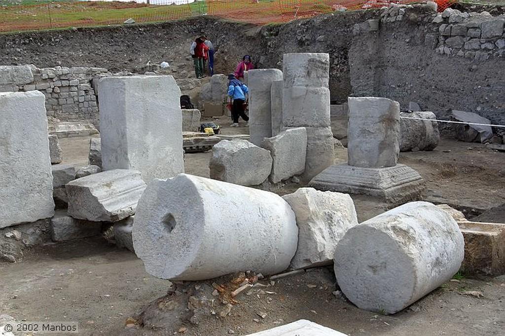 Segóbriga El Mundo - Foso donde se depositaban las tierras de todos los paises de los trabajadores Cuenca