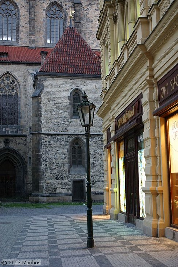 Praga Escalera hacia Mala Strana Praga