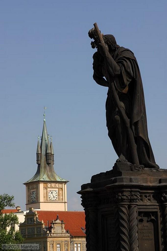 Praga Torre del Puente de la Ciudad Vieja Praga