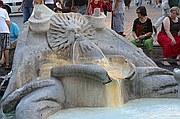 Foto de Roma, Piazza di Spagna, Italia - Fontana della Barcaccia