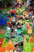 Foto de Funchal, Mercado de Labradores, Portugal - Puestos de frutas y verduras