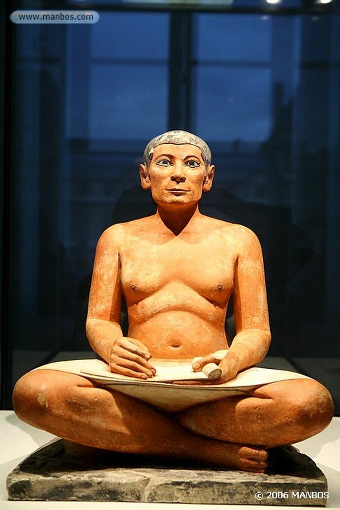 Paris Busto del Escriba Sentado Paris