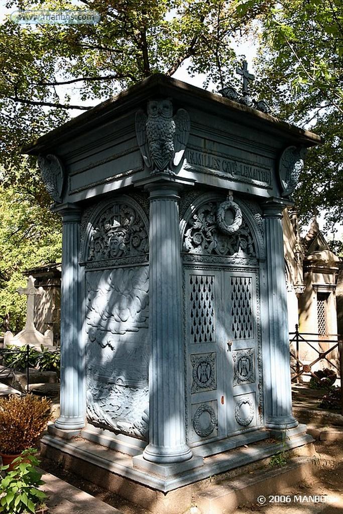 Paris Tumba de Alejandro Dumas Paris