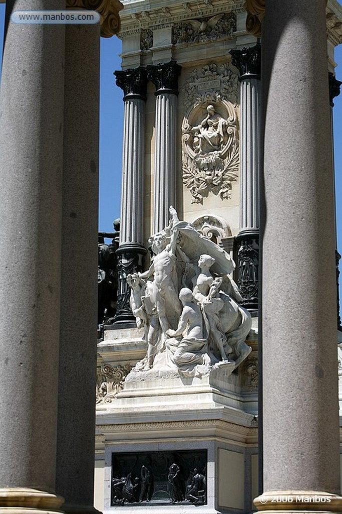 Madrid Monumento a Alfonso XII Madrid