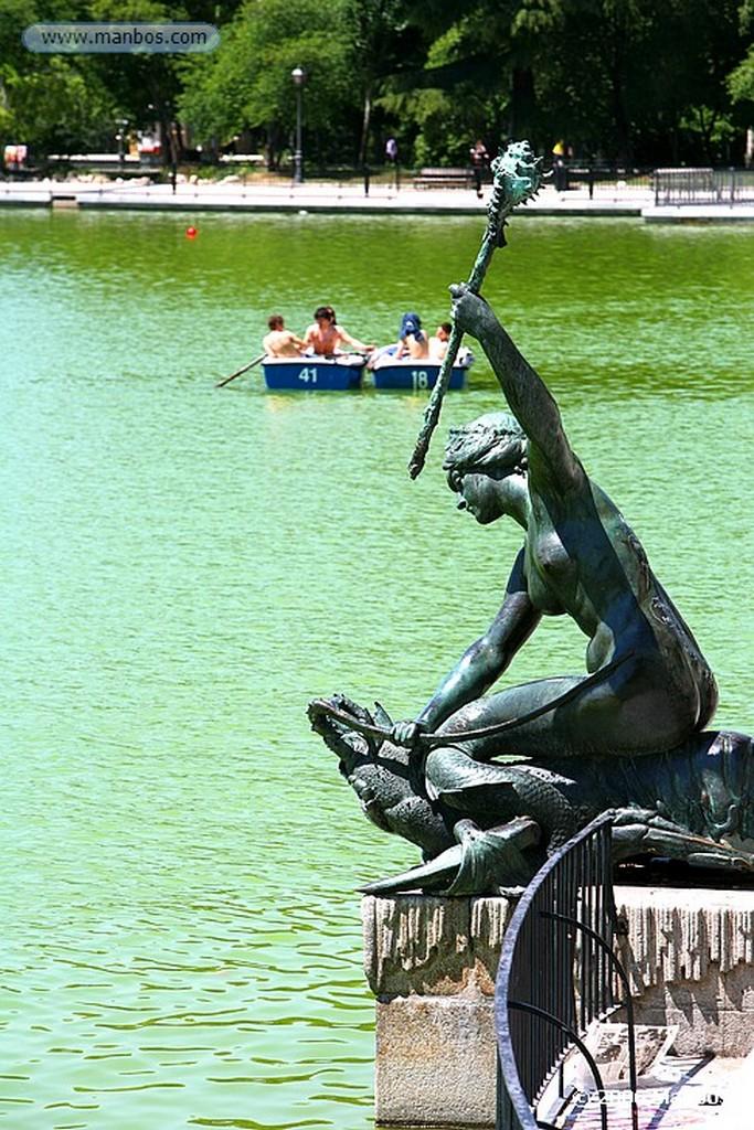 Madrid El Lago del Retiro Madrid