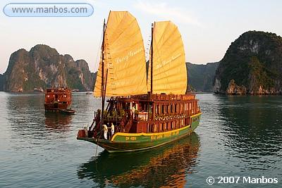 Halong Bay - Vietnam