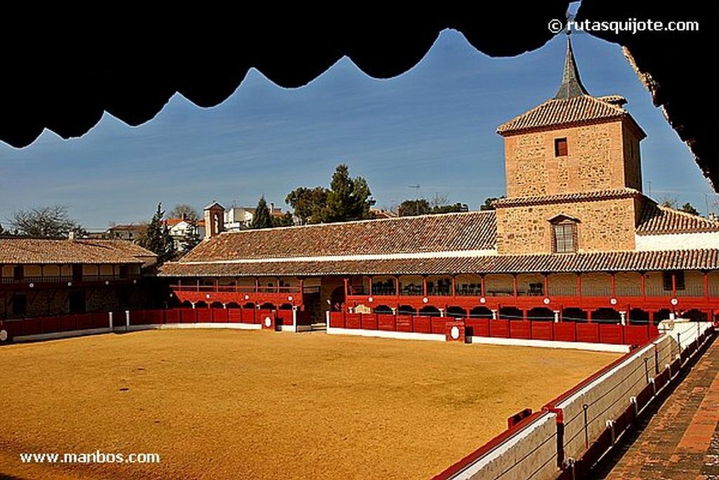 Santa Cruz de Mudela Plaza de Toros y Santuario Virgen de las Virtudes Ciudad Real