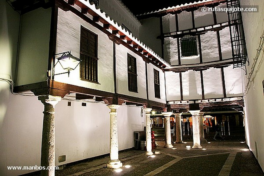 Consuegra Molinos y Castillo de Consuegra Toledo