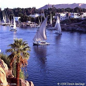 Falucas en el rio Nilo