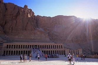 El Valle de los Muertos
