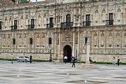 Camara Canon EOS 350D DIGITAL Hostal San marcos Miguel Alberich LEON Foto: 17352
