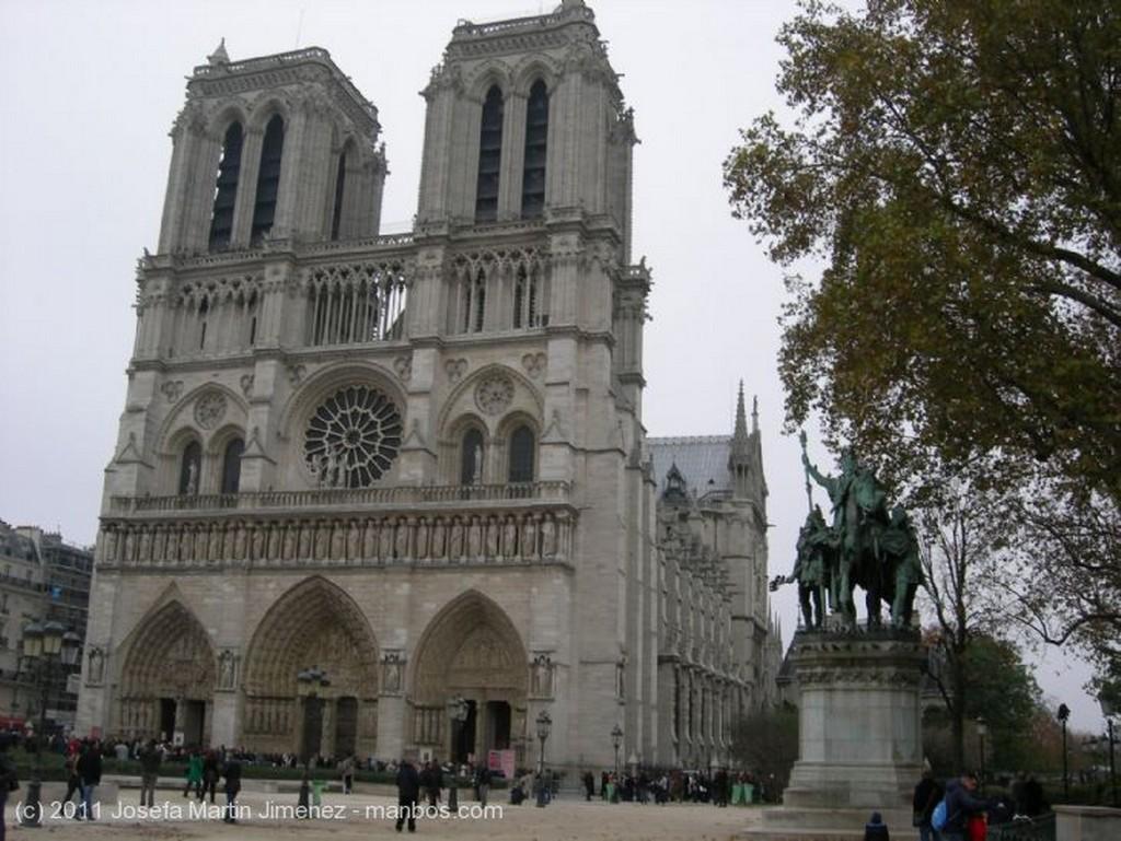 Paris Lateral de Notre-Dame Paris