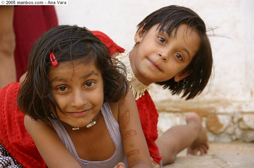 Foto de Jaisalmer, India - Niñas jugando