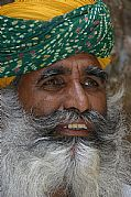 Camera Canon EOS D60 Retrato con barba Ana Vara Gallery JODHPUR Photo: 5207