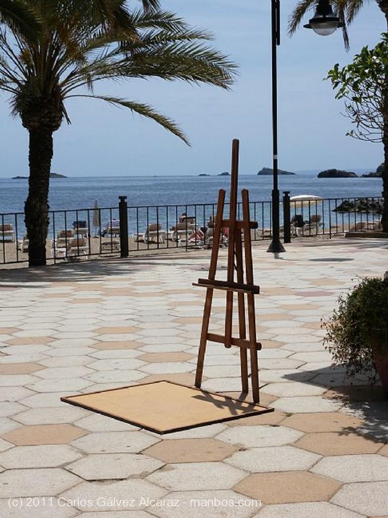 Ibiza Farola y palmera Islas Baleares