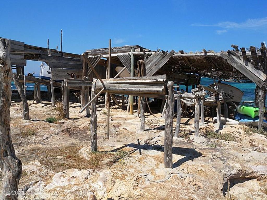 Formentera Velero en puerto deportivo. Islas Baleares