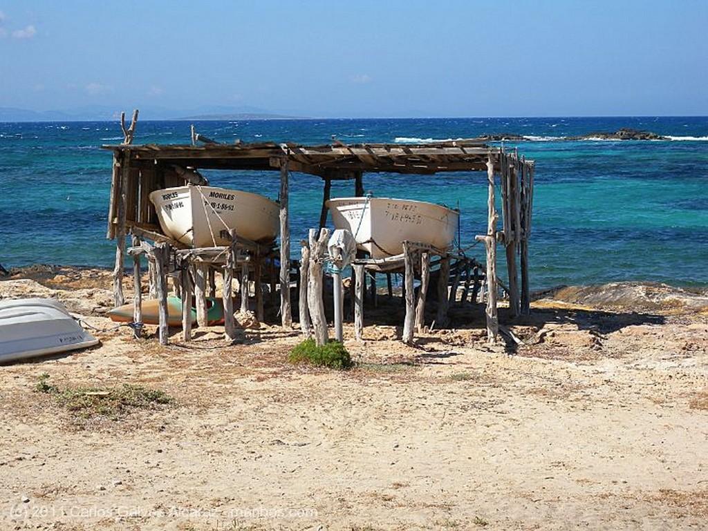 Formentera Bicicletas en la playa. Islas Baleares