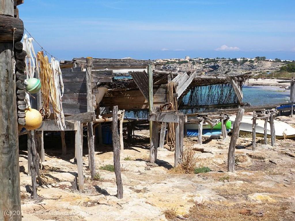 Formentera Secando pescado. Islas Baleares