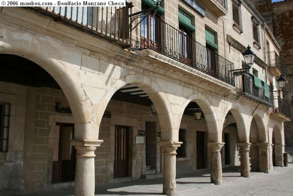 Trujillo Fachada con arcos Caceres
