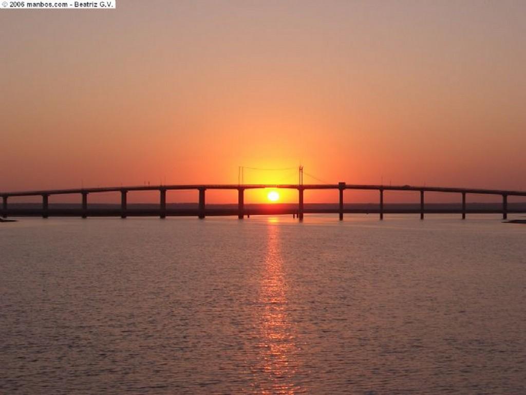 Foto de Huelva, Marisma del Odiel, España - Puente del