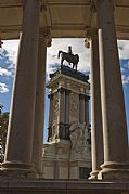 Camara Sony DSLR 390 Columnas Monumento A XII aurelio oller ortega MADRID Foto: 30515