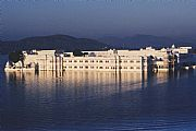 Camara Canon Eos 1v Palacio del Lago - Lake Palace Francisco Sesé UDAIPUR Foto: 15926