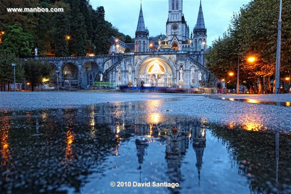 Lourdes Basilica del Rosario Lourdes  Hauter Pyrenees