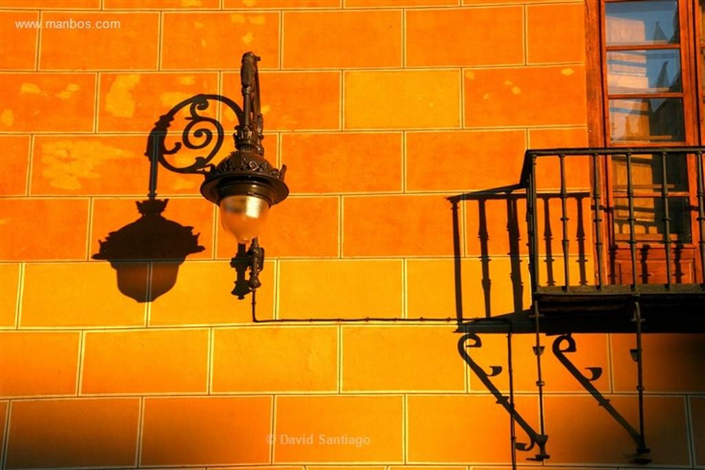 Leon Detalle lampara en la calle  Leon Leon