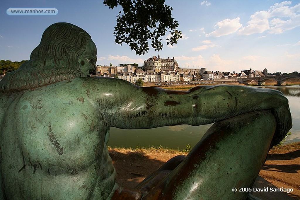 Valle del Loira Tumba Leonarde da Vinci en el Castillo de Amboise Pays de la Loira