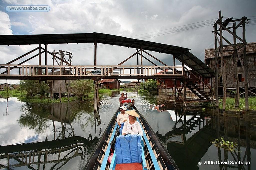 Lago Inle Birmanos Por Las Aguas del Lago Inlhe en Myanmar Lago Inle