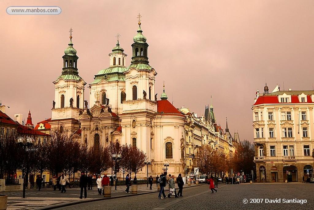 Praga Iglesia de San Francisco Serafin e Iglesia de San Salvador Praga
