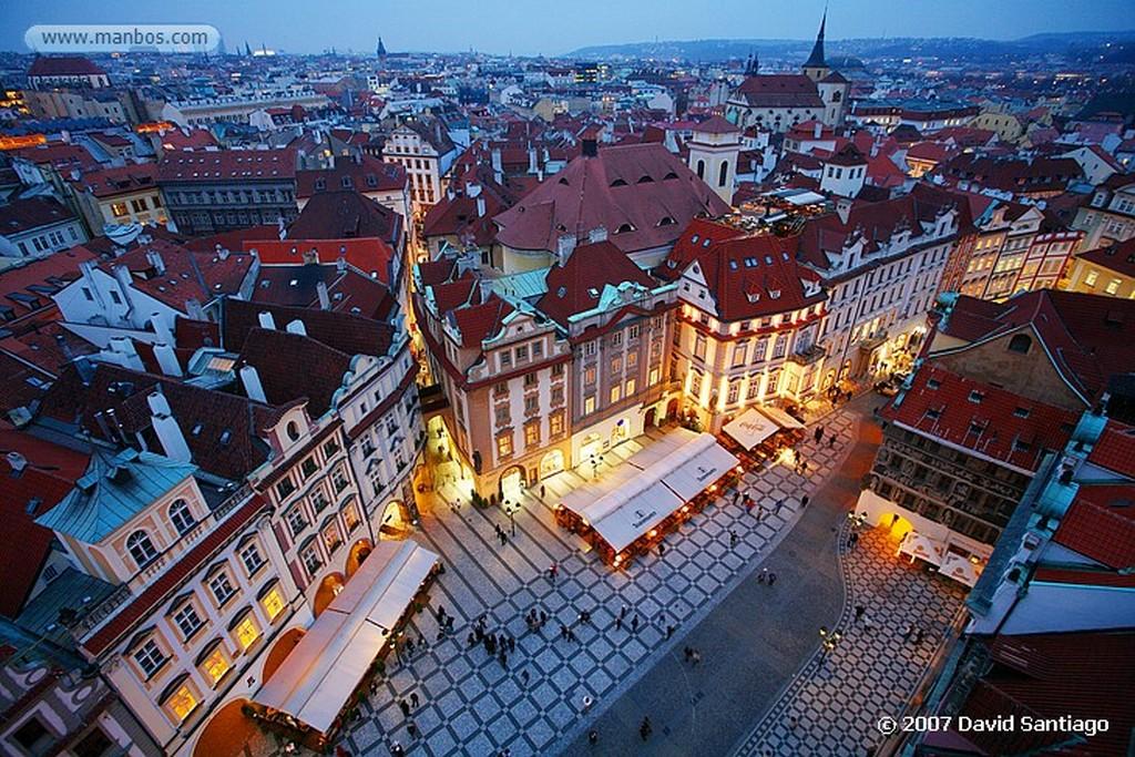 Praga Josef Manes junto a la Casa de los Artistas Praga