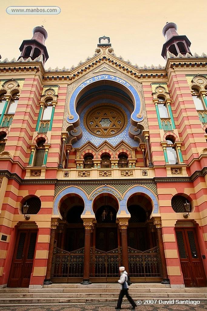 Praga Santo Tomas y San Pablo Reloj Astronomico Ayuntamiento de la Ciudad Vieja Praga