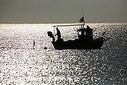 Foto de Cabo de Gata, España - PESCADOR EN EL CABO DE GATA