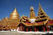 Shwezigon Paya, Pagan, Myanmar