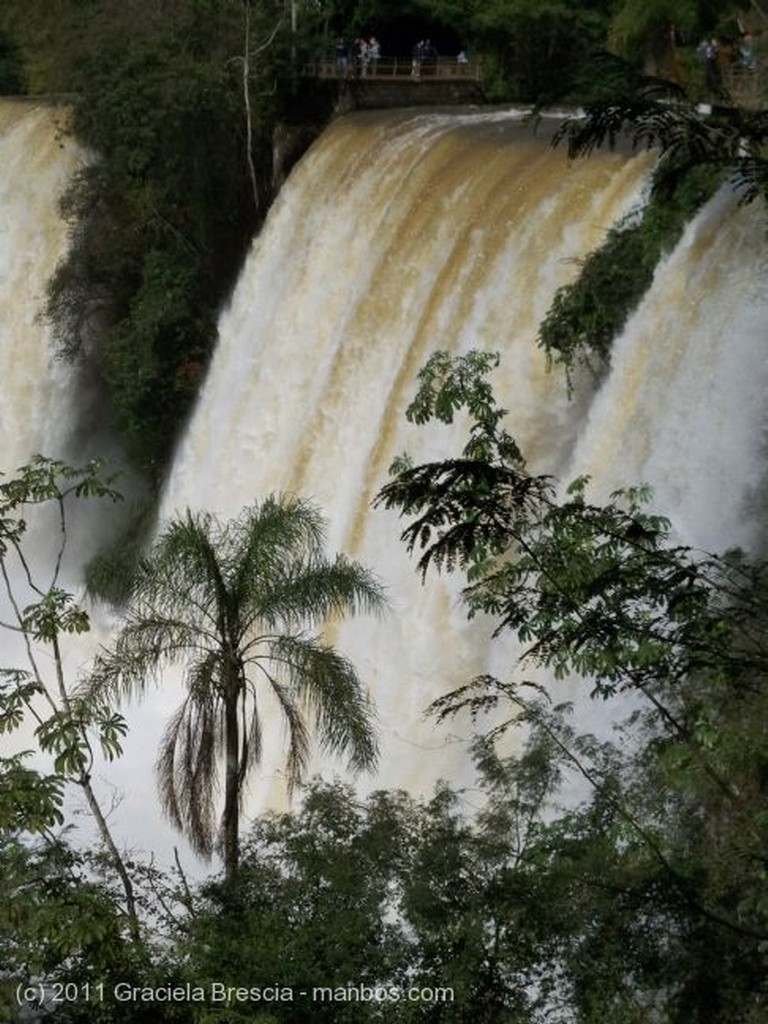 Iguazu Como ellas, no hay Misiones