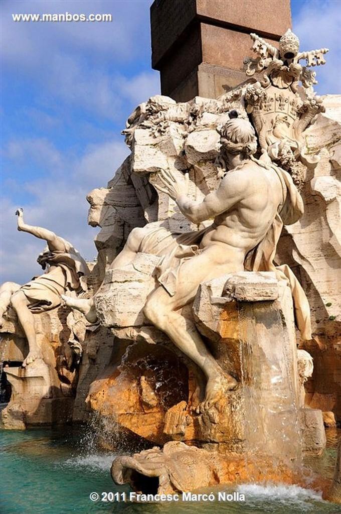 Roma  Triton  plaza Nabona  Roma