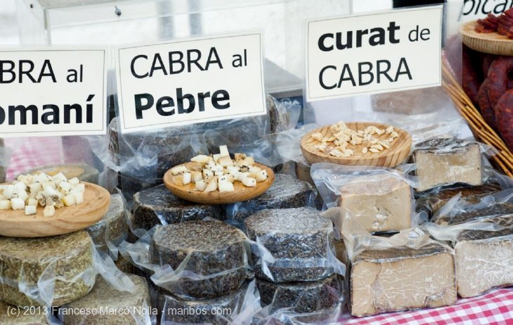 Monasterio de Santes Creus Mercado Productos Artesanos Tarragona