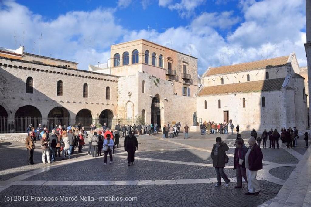 Bari Detalle de la Fachada Apulia