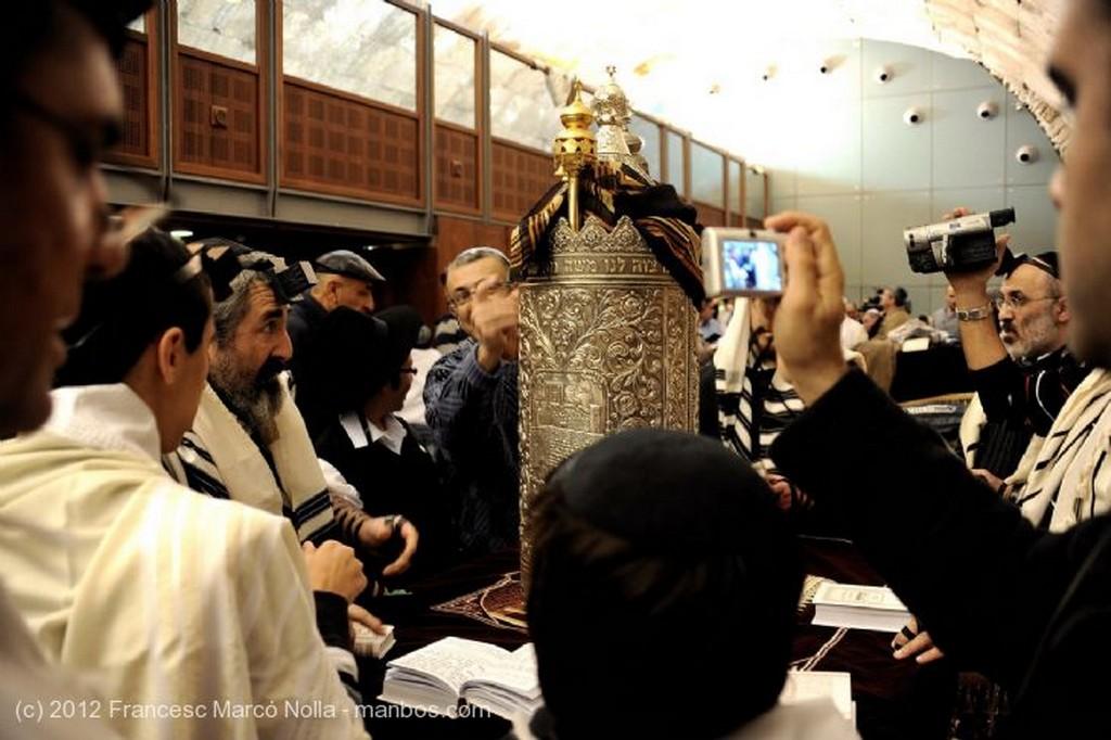 Jerusalen Saliendo de la Plegaria Judea