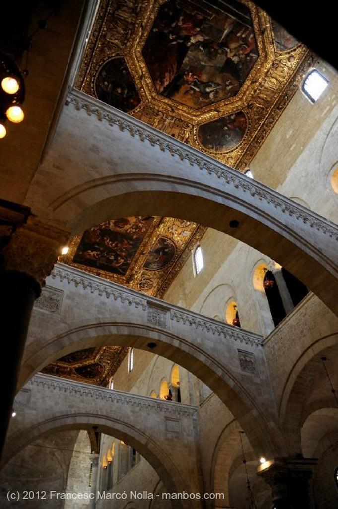 Bari Cripta de la Iglesia Apulia